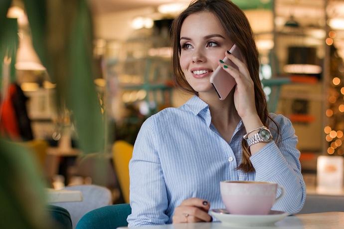 年下女性が見せる好意を寄せているときの態度を見分けるポイント3つ